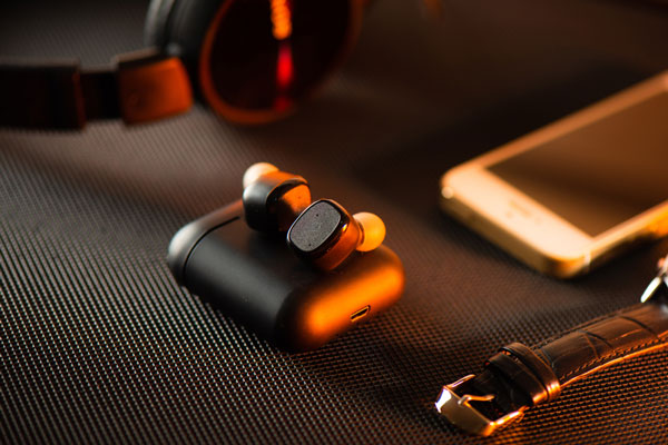 wireless-earbuds-for-small-ears